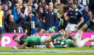 RBS 6 Nations Championship Round 1, BT Murrayfield, Scotland 4/2/2017 Scotland vs Ireland Scotland's Stuart Hogg scores their first try despite Rob Kearney of Ireland Mandatory Credit ©INPHO/Craig Watson