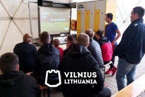 VRA žaidėjai stadione stebėjo Pasaulio regbio taurės varžybas