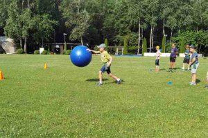 Regbio akademija dieninės vaikų vasaros stovyklos veiklas vykdė Vingio parko regbio stadione